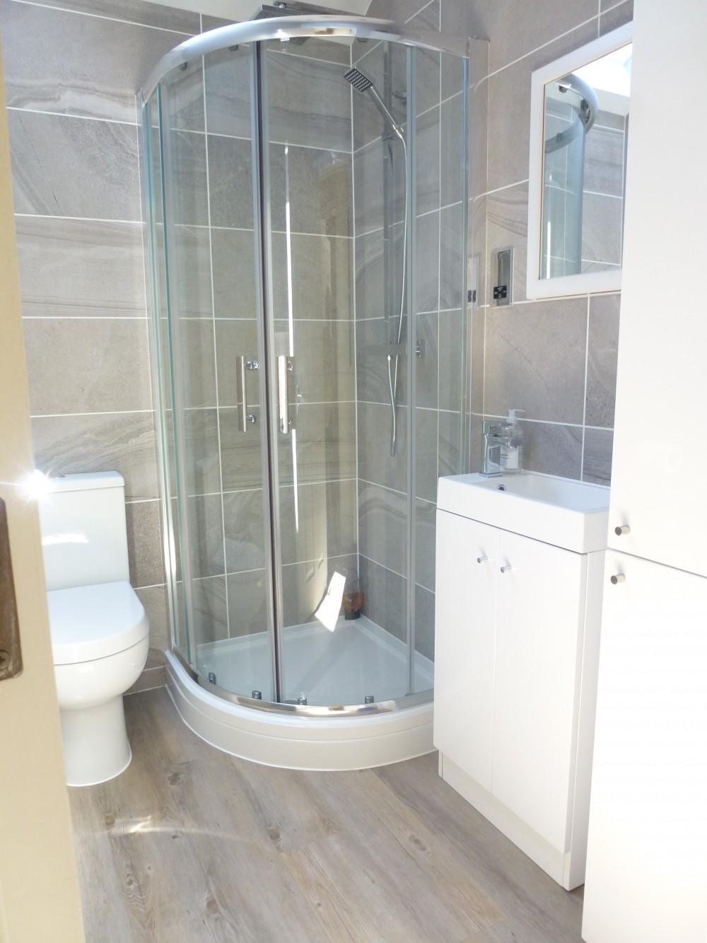 shower room pic 1