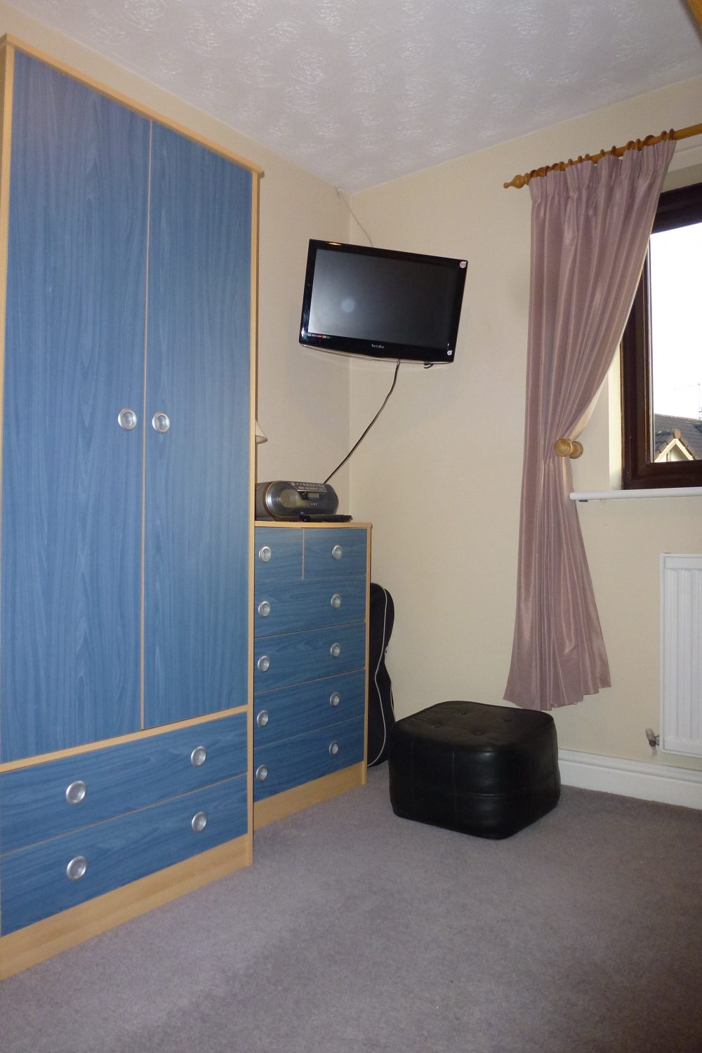 bedroom 3 pic 1